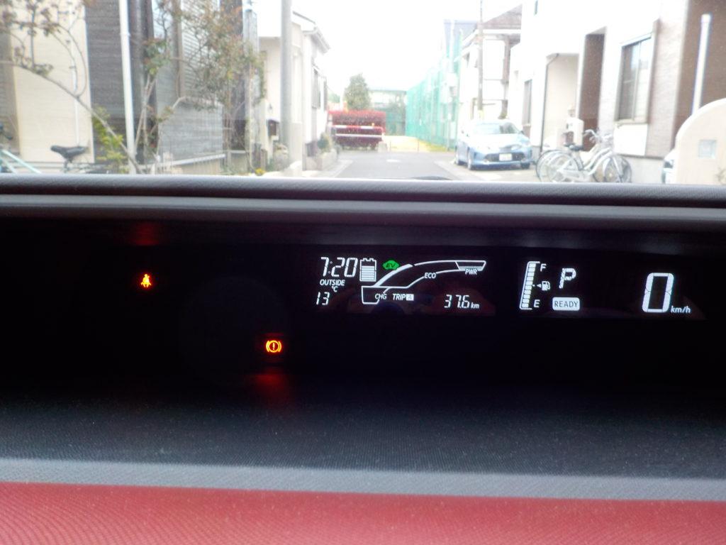 ダッシュボードの時刻と気温