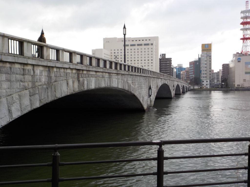 萬代橋下流から上流方面