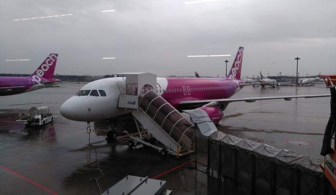 飛行機(Peach)成田空港離陸前