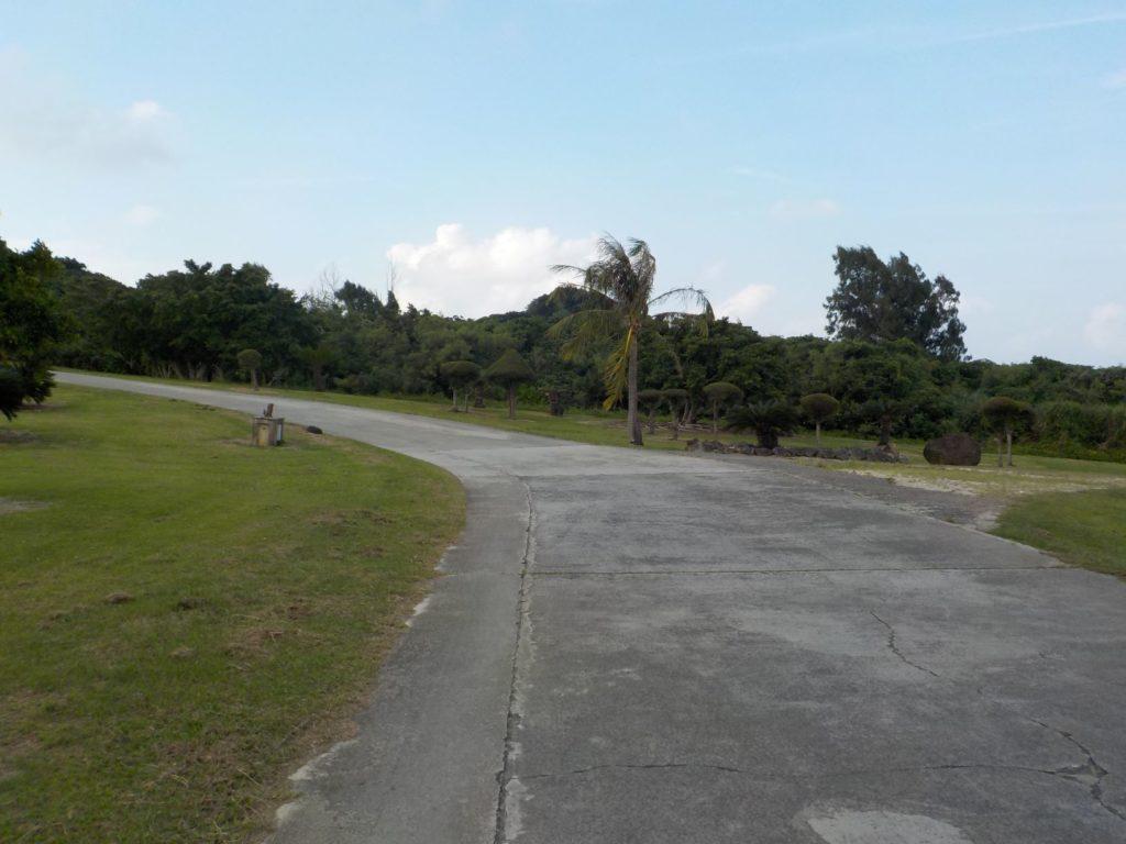 クラブメッド石垣島の敷地内の道